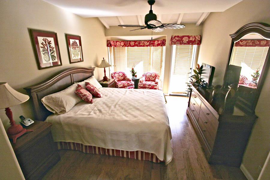 Remodeling work in avalon for Bedroom showcase
